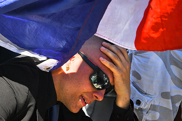 French man mourns at site of terror attack in Nice